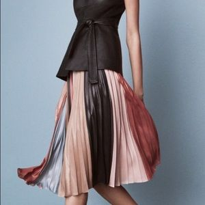 BCBG Max Azria pleated colorbock skirt medium